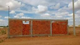 Terreno medindo 10x25m murado e cisterna