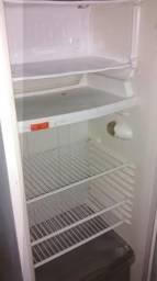 Vendo 1 geladeira 280 litros .350$$