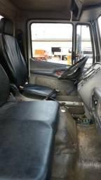 Caminhão Basculante Traçado - MBB 2726 -2010 - 011 96324 3557