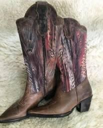 Vende-se está bota feminino tamanho 37 38