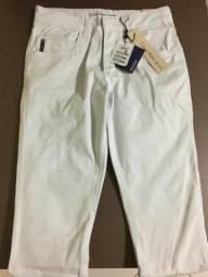 Calça jeans branca Calvin Klein, tam 38. R$ 150,00