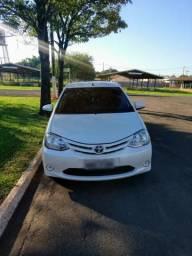Toyota etios hatch 1.5 xs 16v flex manual - 2015