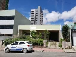 Casa em localização comercial no bairro da Prata em Campina Grande