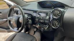 Toyota etios hatch 1.5 ano 13/14 - 2013