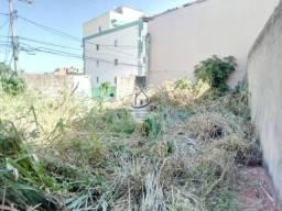 Terreno Plano 162 m2 em Itapuã, Condomínio Fechado - HPT08