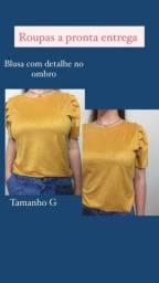 Blusa lisa ou com detalhe no ombro