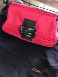 Bolsa Fendi Monograma Mini Vermelha