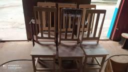Cadeira envernizada