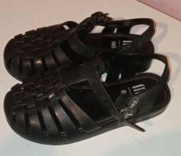 Sapatos adultos e infantis