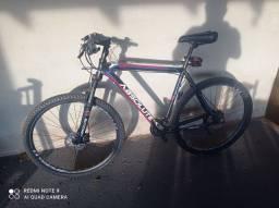 Título do anúncio: Bicicleta aro 29..quadro 21