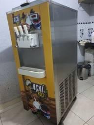 Título do anúncio: Maquina de sorvete e açai cabral 2015 em uso perfeito estado