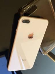 IPhone 8 PLUS 64G seminovo