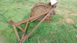 Máquina de arrancar grama