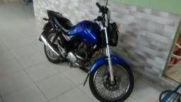 Vendo moto muito bem conservada - 2014