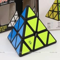 Cubo Mágico Pyraminx Qiyi Qiming A Profissional Promoção