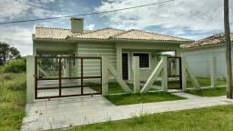 Casa Nova 02 dormitórios com suíte, 03 quadras da praia, 250 mil
