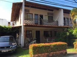 Belíssima e ampla casa bem mobiliada a beira mar em condomínio na praia de Maria Farinha!