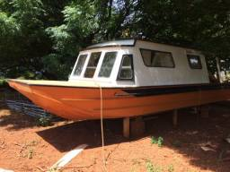 Lancha cabinada aluminio naval barco com 4 camas banheiro cozinha deck