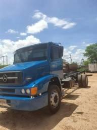 Caminhão 1318 mercedez