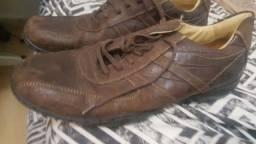 Sapato de couro Paquetá