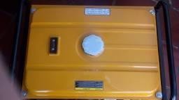 Gerador a gasolina trifasico 4T 9kVa 380V com partida eletrica + QTA