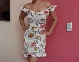Título do anúncio: Desapego: vestidos floridos e vestido com estampa de onça
