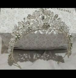 Título do anúncio: Coroa tiara Noiva