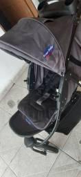 Vendo carrinho com bb conforto em ótimo estado!!