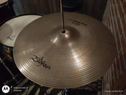 Título do anúncio: Vendo Hi Hat Zildjian Quick Beat 14 polegadas