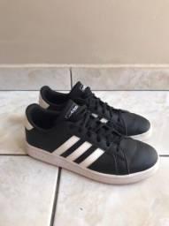 Tênis Adidas 36