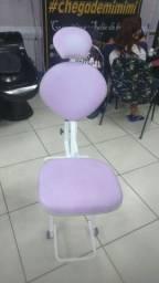 Cadeira de maquiagem e designe sombrancelha