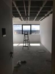 (256)02 salas comerciais já alugadas por R$ 316.000,00 cada posição nascente, 01 banheiro,