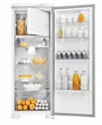 Vendo uma geladeira nova eletrolux frost free
