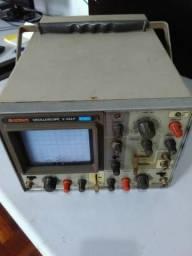 Osciloscópio Hitachi 35mhz
