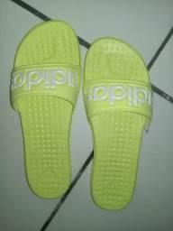 Sandália original adidas