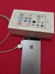 Vendo um iPHONE 5S ORIGINAL caixinha bem conservado