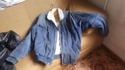 Jaqueta de veludo azul acolchoado