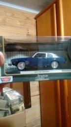 Miniatura de carrinho 124