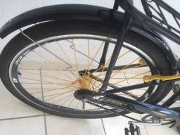 Bicicleta Caloi , pouco usada !!