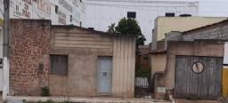 imóvel com ótima localização na Avenida Joel Modesto em Morro do Chapéu