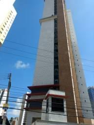 Apartamento no 18º andar, posição privilegiada e com privacidade, 3 suites e 2 vagas.