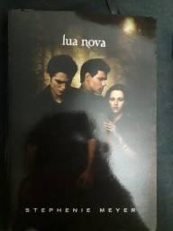 Título do anúncio: Livro Crepúsculo Lua Nova em português