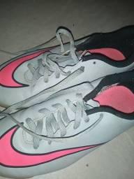 Título do anúncio: Chuteira futsal Nike