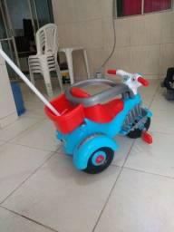 Título do anúncio: Carro infantil novo pouco usado 300 reais promoção