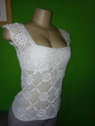 Título do anúncio: Blusa Branca em Crochê - M