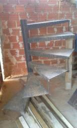 Escada de ferro circular