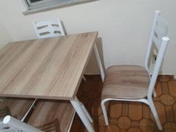 Título do anúncio: Mesa com tampo de madeira + 4 cadeiras