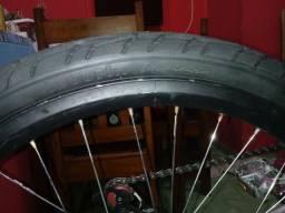 Vendo pneu 26 novo leia bem