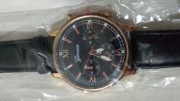 Relógios masculino com pulseira em couro
