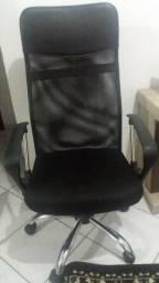 Cadeira Escritorio semi nova